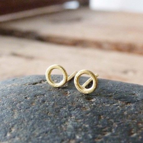 Circle earrings in yellow gold  ELEMENTS