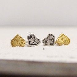 18 K gold heart earrings with screw closure