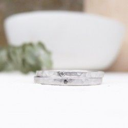 Hammered silver ring with genuine diamond