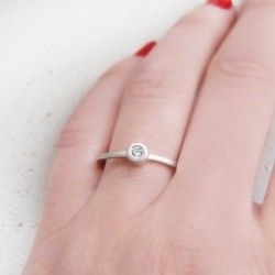 White gold and diamond ring ICE