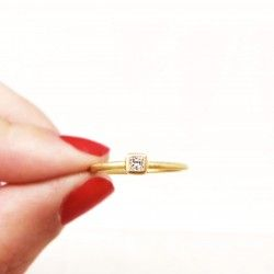 18 Kts gold ring with diamond
