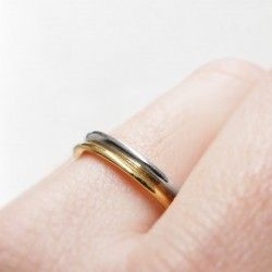 Gold and platinum ring