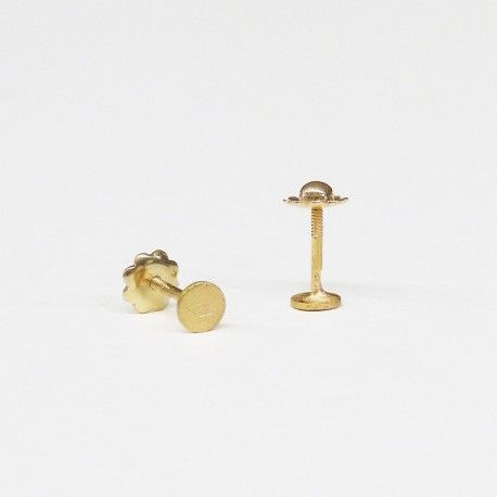 Round baby yellow gold earrings