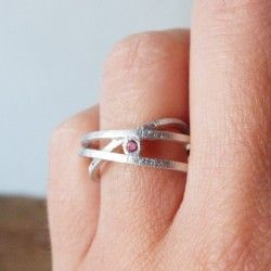 Ring ATW 3 rounds whit a rhodium bath and tourmaline